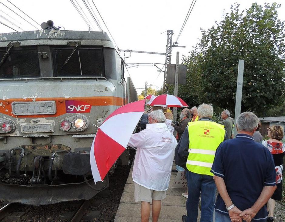 La guerre d'usure des défenseurs des gares - La Dépêche du Midi - Mardi 23 septembre 2014