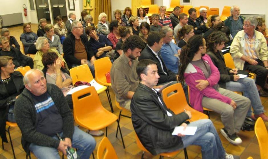 Regroupement des écoles rurales : une pétition lancée - La Dépêche du Midi - Samedi 11 octobre 2014