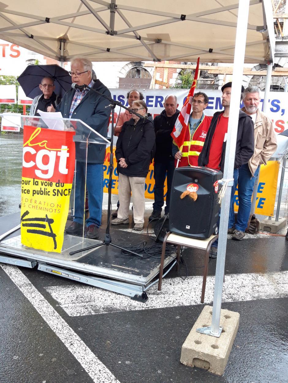 Intervention du PCF 46 prononcé par Christian Ribeyrotte lors du rassemblement samedi 15 juin en gare de Figeac pour la défense du service public ferroviaire