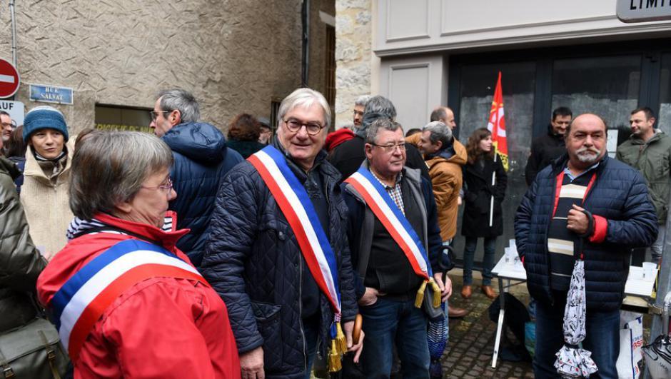 À Cahors, élus et agents des impôts font front contre le projet Darmanin // 2019.11.15