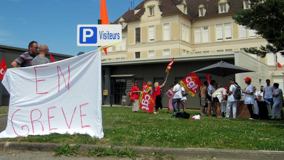 Lot : des soignants usés et mobilisés devant l'hôpital de Gourdon // 2019.06.26