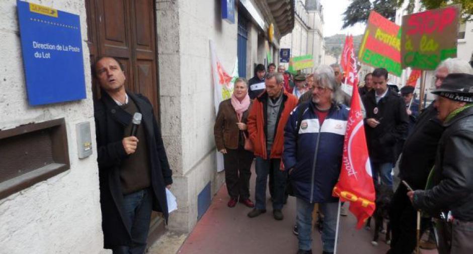 Lettre morte et porte fermée à la Poste : élus et usagers en colère - La Dépêche du Midi - Samedi 24 octobre 2015