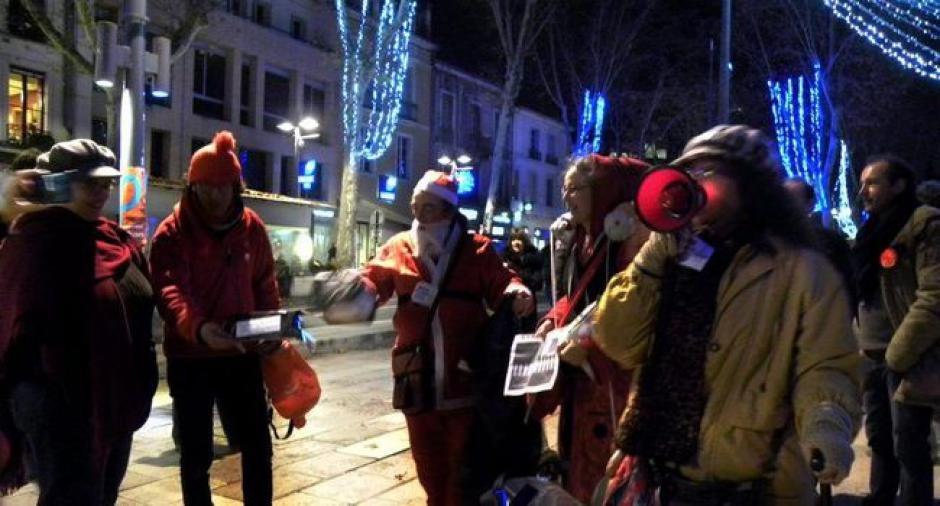 Des manifs et le «Ministère du Père Noël» à Cahors - 2017.12.15