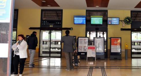 Mobilisation attendue devant la gare de Cahors // 2018.10.15