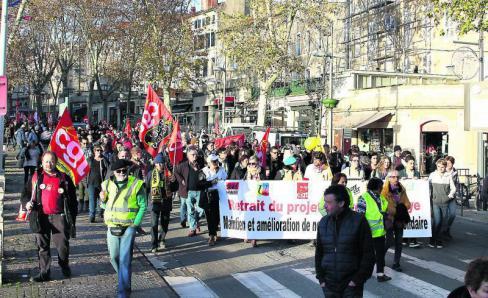 La mobilisation dans les rues a battu un record // 2019.12.06