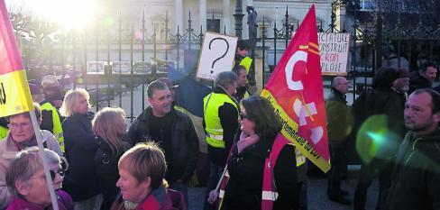 La CGT rassemblée devant le tribunal //2019.02.13