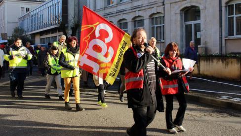 Dans le Lot, plus de 2000 manifestants maintiennent la pression contre la réforme des retraites // 2019.12.10